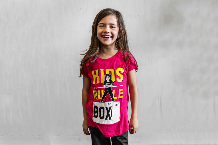 Camiseta Manga Corta Niña - KIDS RULE THE BOX